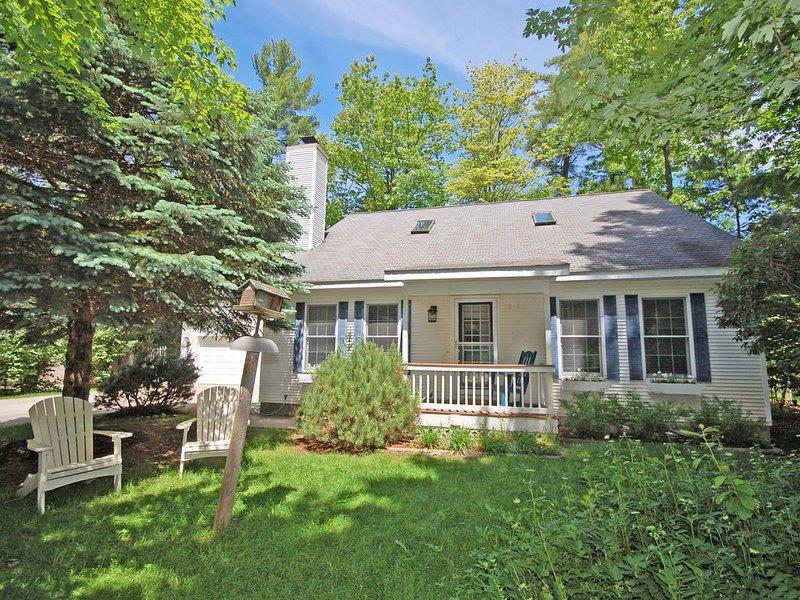 Lovely, 4 BR Home in the Heart of Charming Glen Arbor, aluguéis de temporada em Glen Arbor