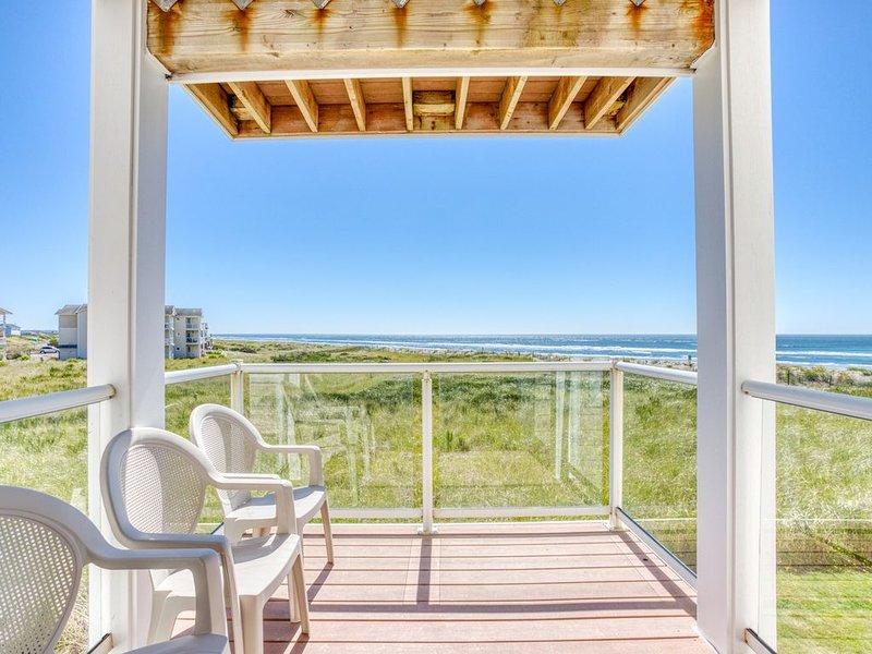 Waterfront, family-friendly condo near the beach w/private washer/dryer & views, location de vacances à Westport