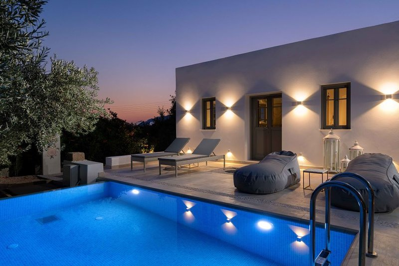 Luxury Villa, Pefkos, Pure Elegance w. Private Pool, Walk to beach & village!!, holiday rental in Pefkos