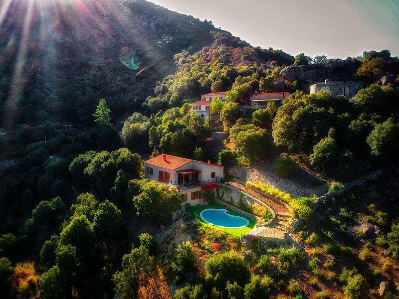Balagne entre mer et montagne: villa spacieuse, piscine chauffée, plage à 10mn, location de vacances à Haute-Corse