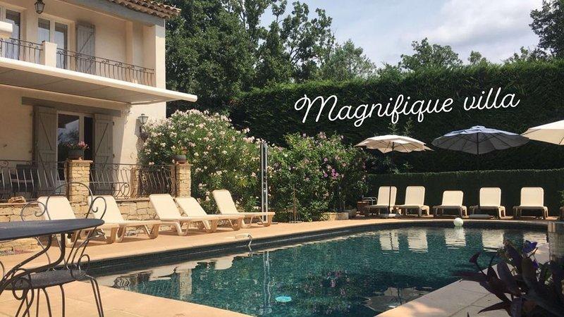 Magnifique maison familiale avec piscine chauffée/calme/proche mer,lac,montagne, location de vacances à Montauroux