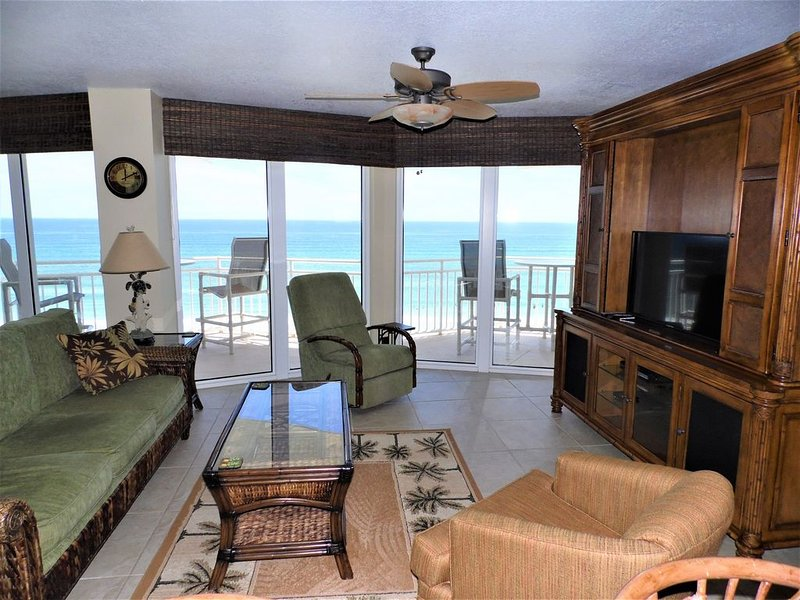 *Reduced Prices* Penthouse Suite Condo 3 Bdrm!!! Spectacular Ocean Views!!!, holiday rental in Daytona Beach Shores