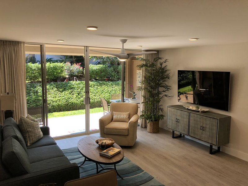 Best Location! Brand-New Modern Renovated Kaanapali Studio! See the Reviews!, vacation rental in Lahaina