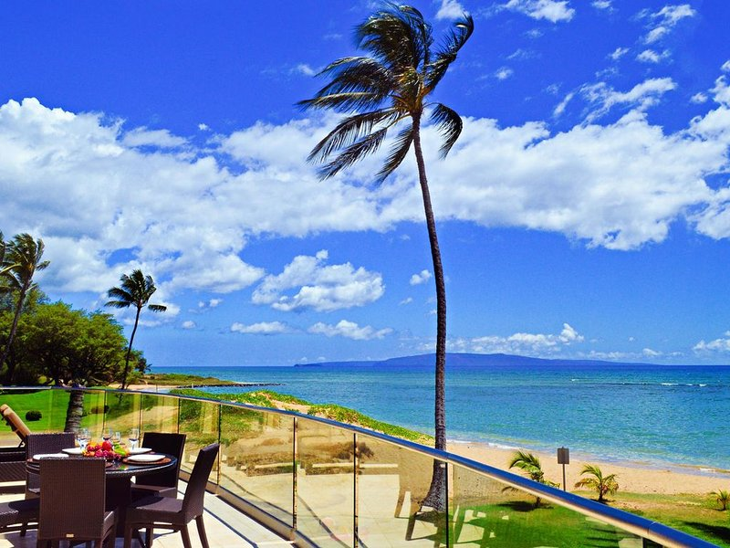 Luxury Oceanfront Condo, Steps To The Beach, Panoramic Ocean View, holiday rental in Kihei