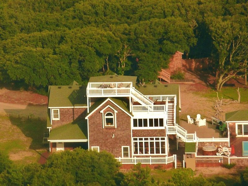 Carova: Private, Secluded, Spacious, Luxury accommodations, Close to Beach, casa vacanza a Currituck