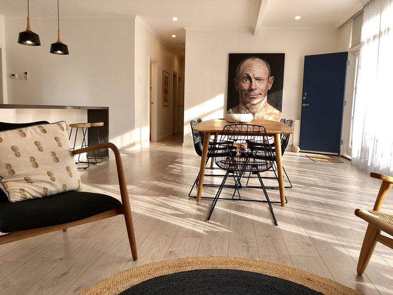 Modern & Spacious 5 Bedroom Home - NO SCHOOLIES, location de vacances à Bellbrae
