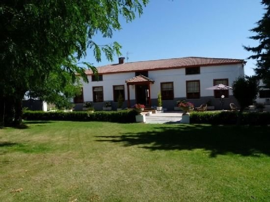 Casa Marqués De Ovieco para 8 personas, holiday rental in Province of Avila
