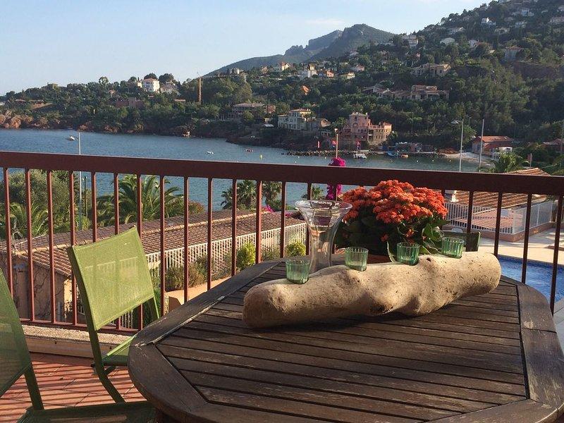 Appartamento in una bella residenza con giardino e piscina, casa vacanza a Théoule sur Mer