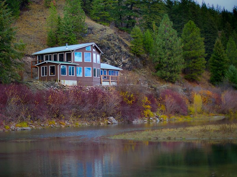 Missoula Private Riverfront, vacation rental in Arlee