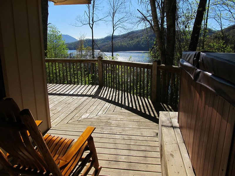 Secluded,  Hot Tub! Lake view Cabin! Special call me!, holiday rental in Topton