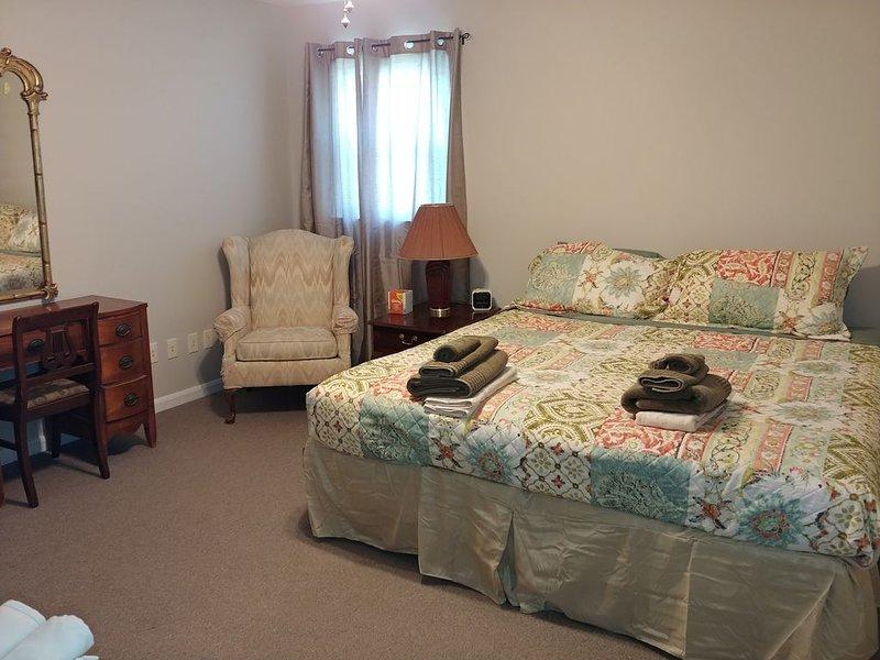 Large 3bd 2.5 bath home with large yard, casa vacanza a Statesville