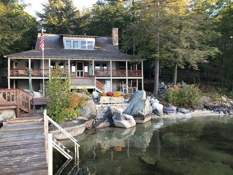 SWE175Wfa - Great Lake Winni Waterfront Home, location de vacances à Meredith