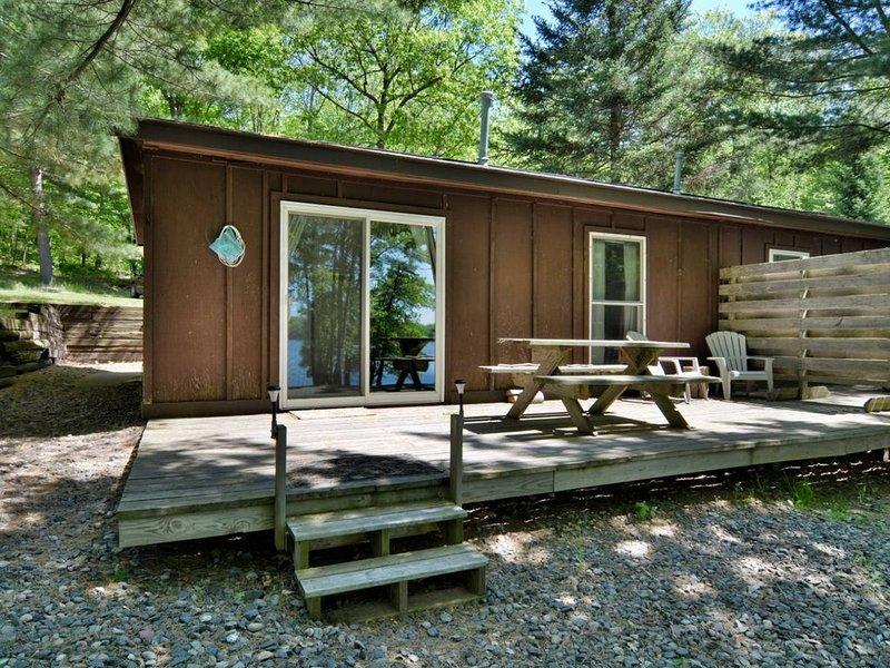 Deer Trail Resort Lakeside 7, alquiler de vacaciones en Barnes