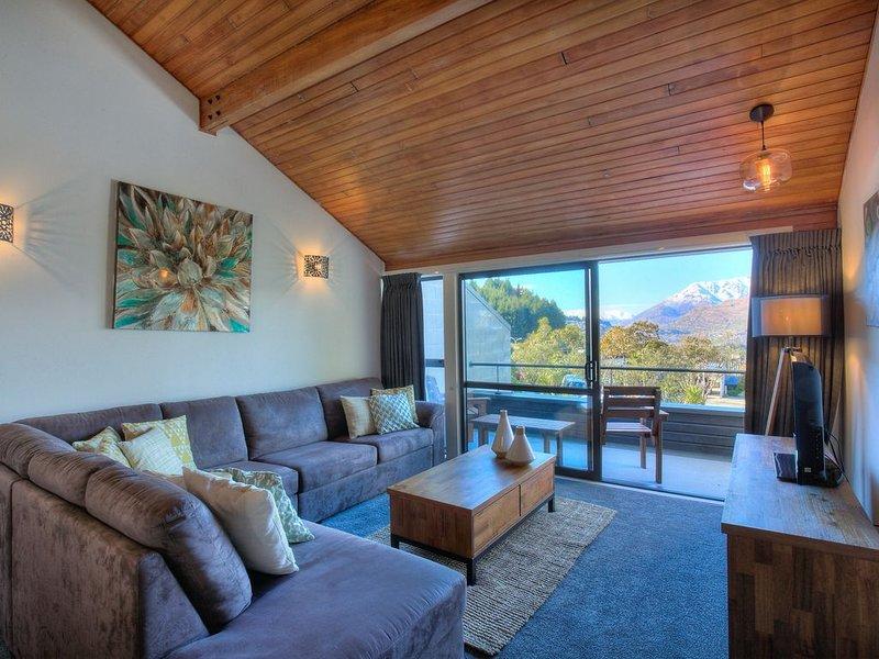 Alpine Haven, Panoramic Lake Views, Ferienwohnung in Queenstown
