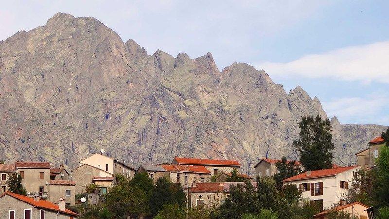 Maison de charme avec jardin  à Guagno dans le massif du Monte Rotondo, location de vacances à Vero