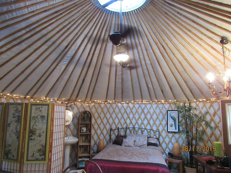 Yurting on the Canoochee, holiday rental in Claxton
