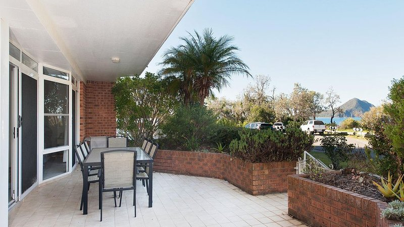 Unit 1, Albacore, 12-14 Ondine Close, Nelson Bay, NSW 2315 right on the beach fr, vacation rental in Nelson Bay