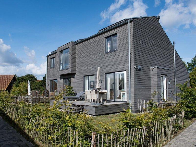 Maritim eingerichtetes Ferienhaus an Landschatsschutzgebiet und Geltinger Bucht, holiday rental in Gelting