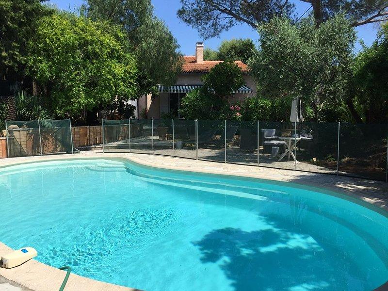 Saint Raphaël  villa climatisée  piscine calme confort quartier de Boulouris, holiday rental in Saint-Raphael