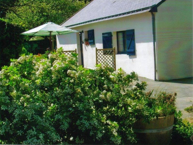 gite à la ferme dans un village calme-reposant à plouhinec au bord de la RIA D'E, holiday rental in Landevant