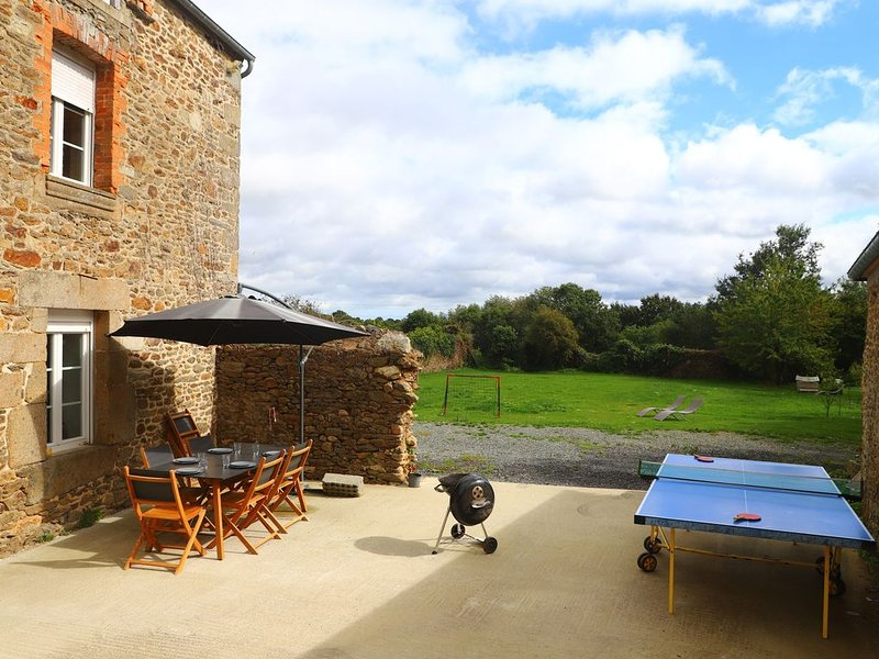 Séjour à la campagne Proche de Dinard et Saint Malo, holiday rental in Pleslin-Trigavou