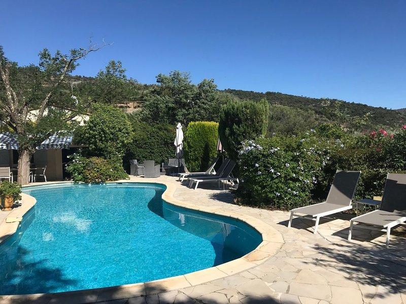 Villa climatisée 5 étoiles avec piscine chauffée dans le Golfe de St Tropez, vacation rental in Plan de la Tour