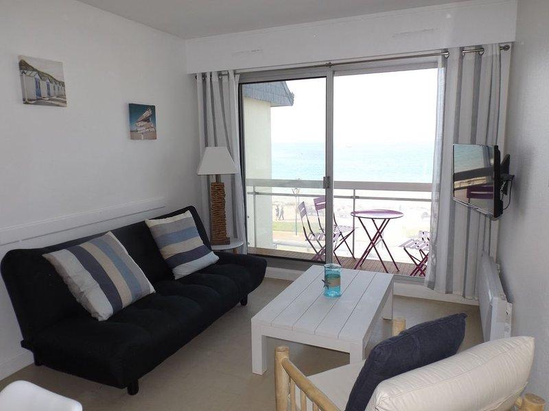 Plage de Trestraou, Appartement face à la mer, 40 m² pour 4 personnnes, Wi Fi, location de vacances à Perros-Guirec