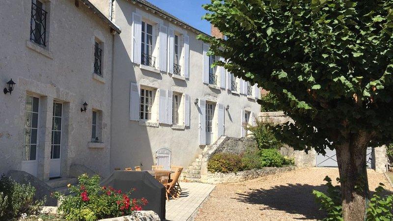 Maison 10 personnes avec piscine Blois Chambord Beauval, casa vacanza a Montlivault
