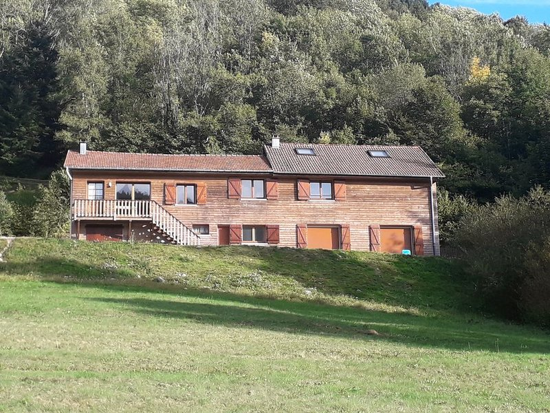 L'Envers de la Hutte, gite de groupe pour 26 pers. avec 26 lits, holiday rental in Husseren-Wesserling