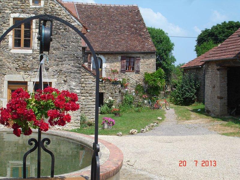 Gîte de 130 m2 situé à 20' de Beaune au 1er étage d'une maison ancienne, location de vacances à La Bussière-sur-Ouche