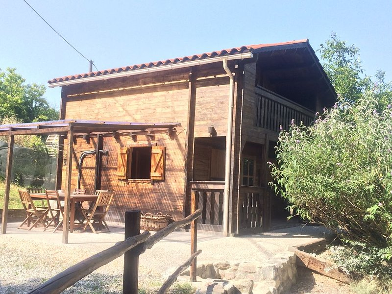 Wooden chalet in a verdant environment at the foot of the Mount Canigou, holiday rental in Vinca