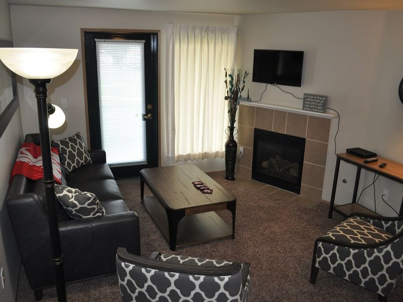 Live Among the Washington State COUGS! Unit W102, holiday rental in Moscow