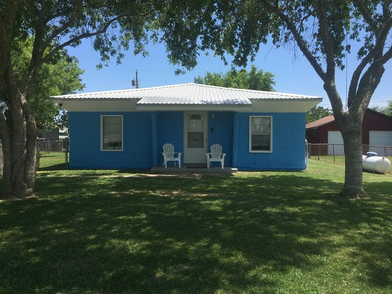 Relax, Refresh, and Renew at Cast Away Cottage, casa vacanza a Port Lavaca