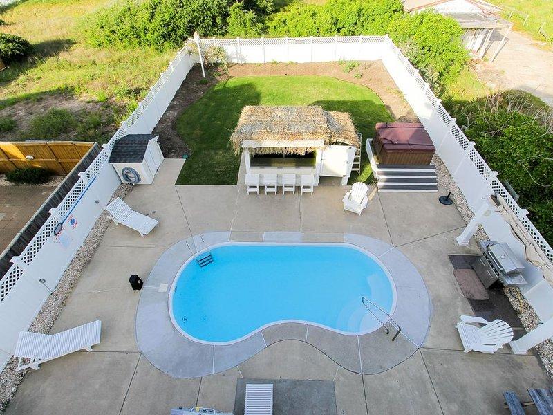 5 Star Beach House...Modern, Beachy and Stunning!!!, location de vacances à Kitty Hawk