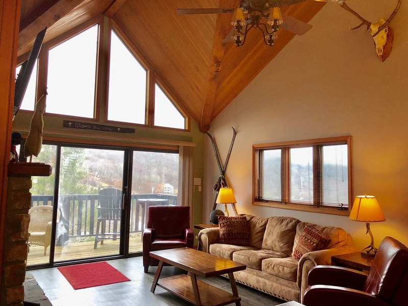 Relax, Walk to SLOPES, bars, & restaurants, Beech Mountain Club Access, holiday rental in Beech Mountain