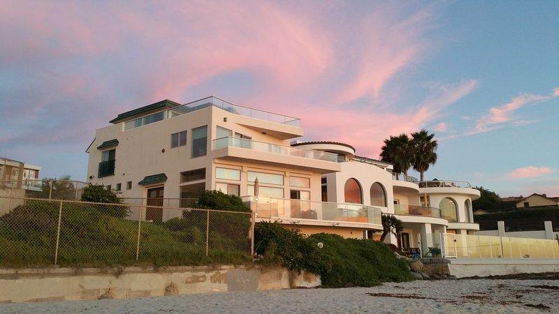 Oceanfront Beach Home, 5 BR, 5.5 BA, 3 Decks, Elevator, vacation rental in La Jolla