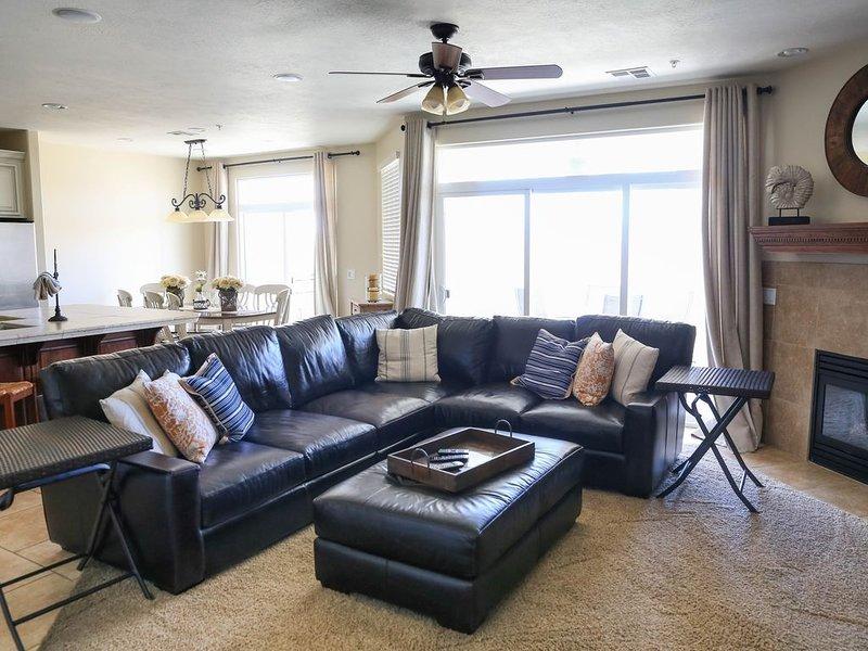 Luxury 3bd/3bth Condo at Las Palmas Resort, from $175 per night, alquiler vacacional en Saint George