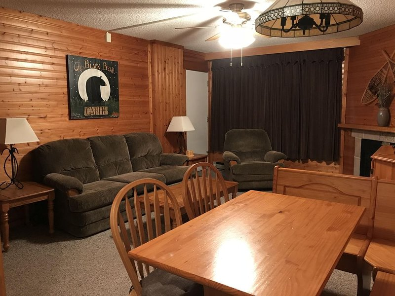 Silver Creek 1BR/1BA Ski-In/Ski-Out, Night Skiing and Tubing, Military Discount, holiday rental in Bartow