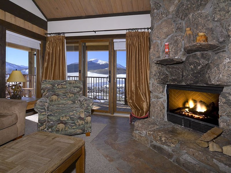 ski-in, ski-out, 4 bedrooms + loft, beautiful views, pets considered, holiday rental in Crested Butte
