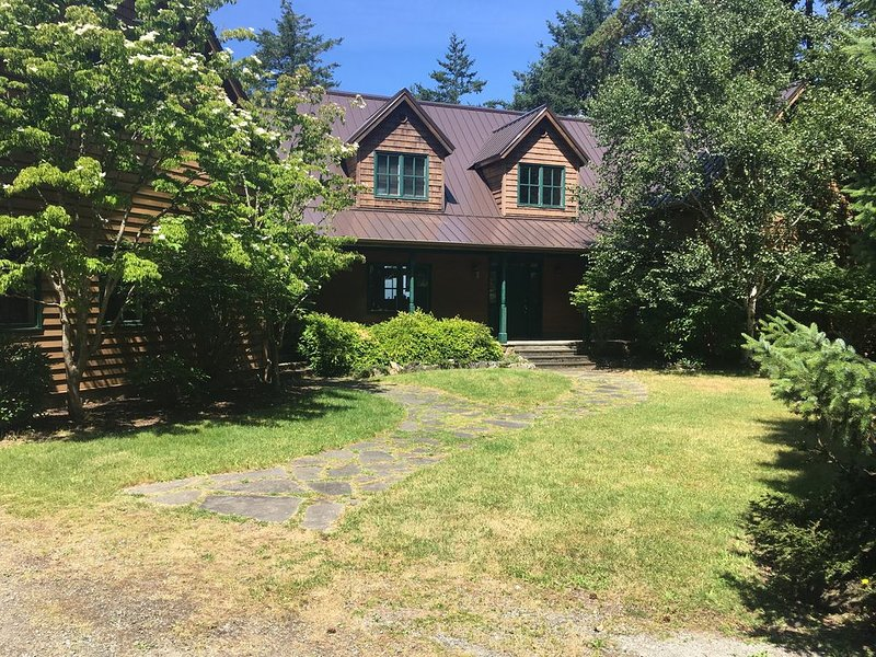 Beautiful Mountainside Waterview Home on Gorgeous Orcas Island, vacation rental in Eastsound