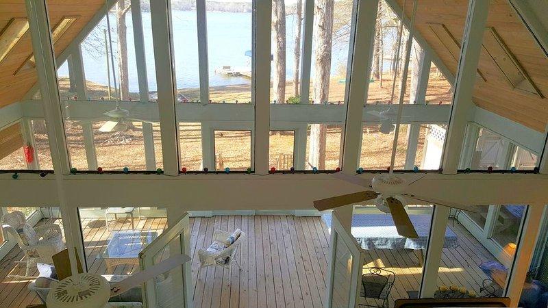 Xmas Still available*Family-friendly Oconee!Hottub!Canoe! Fireplace! Pets OK!, vacation rental in Eatonton