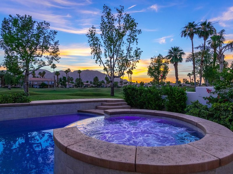 3 BR Home at PGA West with Sunset Views and New Private Pool and Spa!, holiday rental in La Quinta