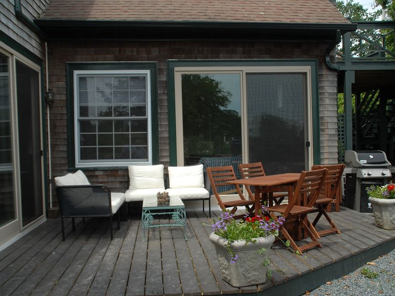 Newport Historic Carriage House By The Sea,SpaPool, holiday rental in Middletown