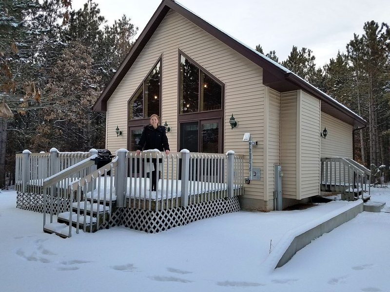 Secluded Cabin - WiFI, Location: Castle Rock, Dells, North Bay Golf, Sleeps 15, location de vacances à Friendship