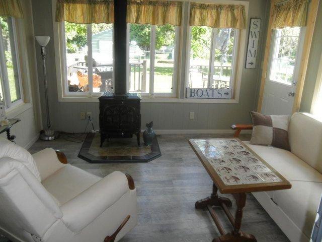 2BR home only 15 mins from Ely & BWCA, alquiler de vacaciones en Babbitt