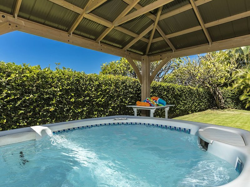 Spacious Home, Minutes from Beach, with Jacuzzi & Ping Pong Table, vacation rental in Haleakala National Park