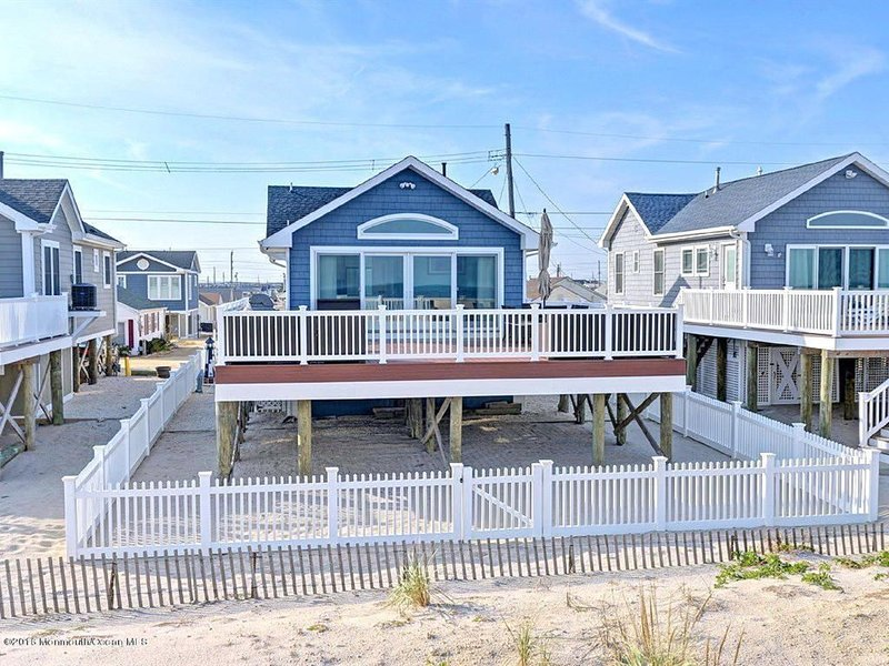Lavalette Oceanfront!, vacation rental in Normandy Beach