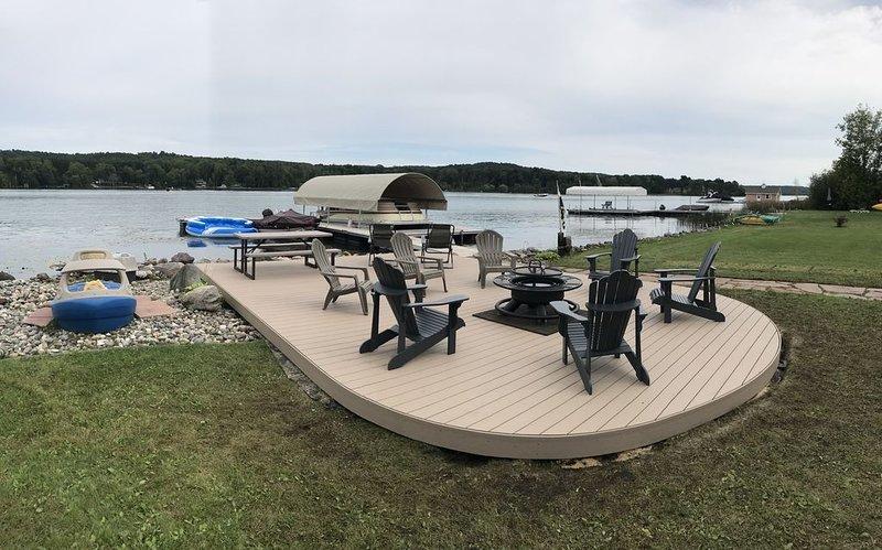 LAKE LEELANAU FAMILY HOME, alquiler vacacional en Lake Leelanau