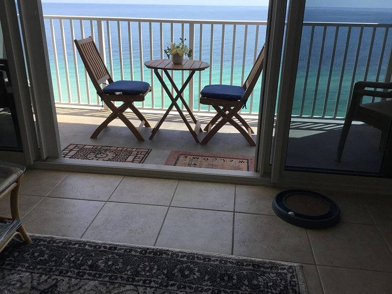 ***Million Dollar View FOR YOU W/ PRIVATE PARKING in GATED GARAGE**, location de vacances à Perdido Key