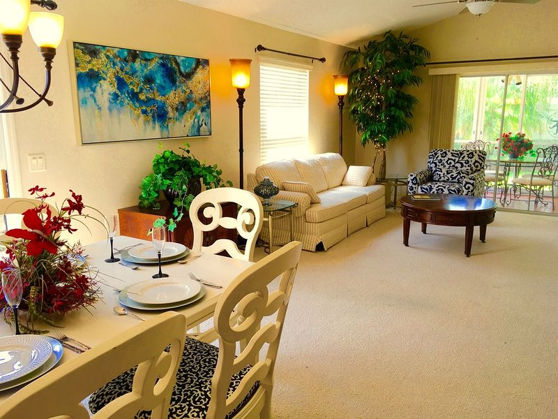 DOG FRIENDLY, Modern-Elegant Villa + CART, Best LOCATION next to Sumter Sq, holiday rental in The Villages